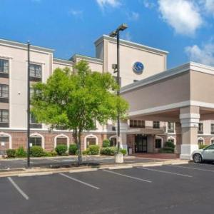 Hotels near BankPlus Amphitheater at Snowden Grove - Comfort Suites Southaven