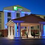 CFSB Center Accommodation - Holiday Inn Express Hotel And Suites Murray