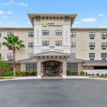 Hotels near Youkey Theatre - Crestwood Suites Lakeland