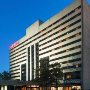 Hotels near Woodbridge National Guard Recruiter - Sheraton Edison Hotel Raritan Center