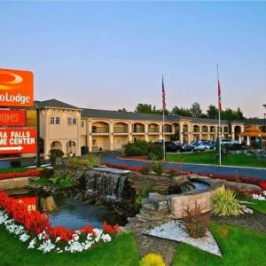 Sal Maglie Stadium Hotels - Econo Lodge At The Falls North