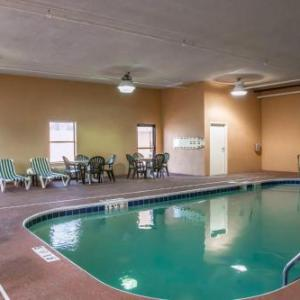 Anderson Center Cincinnati Hotels - COMFORT INN & SUITES EASTGATE