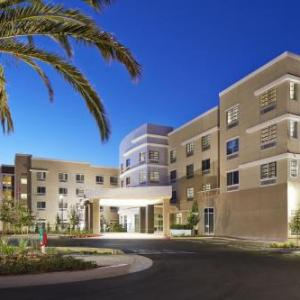Hotels near Rooster T Feathers Comedy Club - Courtyard By Marriott Sunnyvale Mountain View