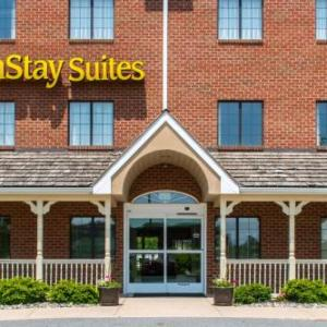 Hotels near Field of Screams Mountville - Mainstay Suites Of Lancaster County