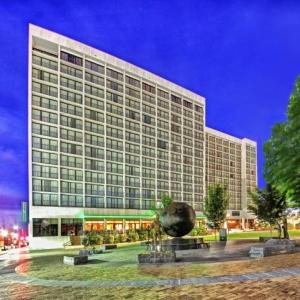 Cox Business Center Hotels - Hyatt Regency Tulsa