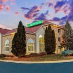 La Quinta Inn & Suites Milwaukee Delafield