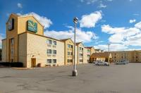 La Quinta Inn Milwaukee Northwest Image