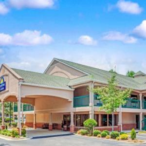 Days Inn And Suites Peachtree City