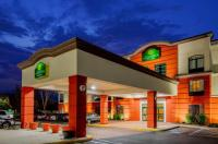 La Quinta Inn & Suites Mt. Laurel - Philadelphia Image