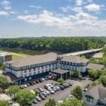 Minnesota Renaissance Festival Hotels - Grand Stay Hotel and Suites