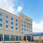 Accommodation near Stranahan Theater - Holiday Inn Toledo - Maumee (Waterpark)