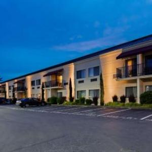 Hotels near Kent Valley Ice Centre Vancouver - Best Western Plus Plaza By The Green
