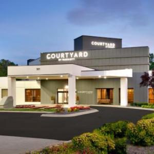Courtyard by Marriott Charlotte Airport/Billy Graham Parkway NC, 28217