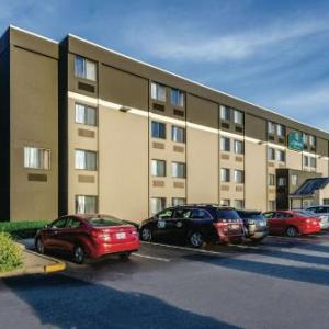 Rhodes on the Pawtuxet Hotels - La Quinta Inn & Suites Warwick-Providence Airport