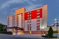 Holiday Inn Express & Suites Atlanta Perimeter Mall Image