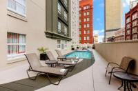 La Quinta Inn & Suites New Orleans Downtown Image