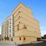 Hotels near Manhattan College - Super 8 Bronx