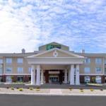 Hotels near Big Sandy Superstore Arena - Holiday Inn Express & Suites Ironton