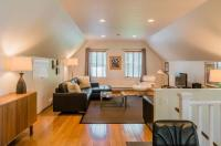 The Carriage House Loft Image