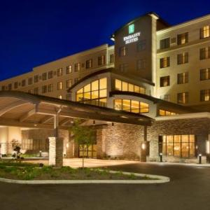 Akron-Canton Airport Hotels - Embassy Suites by Hilton Akron Canton Airport