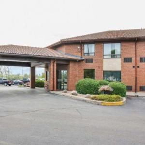 Maple Grove Rugby Park Hotels - Comfort Inn South