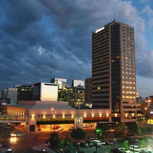 Hotels near Queensbury Convention Centre - Delta Regina