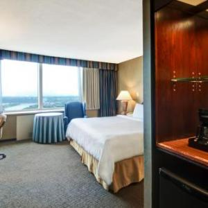 Hotels near Brixx Bar and Grill - Chateau Lacombe Hotel