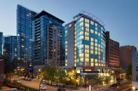 Hampton Inn And Suites By Hilton Downtown Vancouver Image