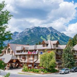 Hotels near Bentley Chamber Music Studio - Banff Caribou Lodge And Spa