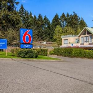 Bell Performing Arts Centre Hotels - Econo Lodge Surrey