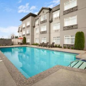 Hotels near Pitt Meadows Airport - Ramada Pitt Meadows