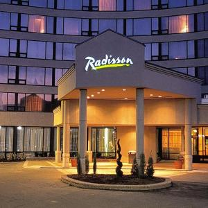 Hotels near Armenian Youth Centre - Radisson Hotel Toronto East