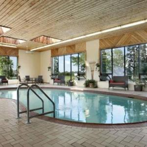 Hotels near Cataraqui Community Centre - Travelodge Kingston Lasalle Hotel