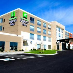 Holiday Inn Express & Suites OSWEGO