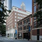 Hotels near Aaron's Amphitheatre at Lakewood - Hampton Inn And Suites Atlanta-Downtown
