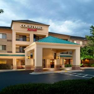 Courtyard By Marriott Atlanta Alpharetta