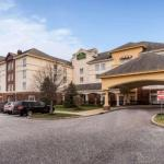 Accommodation near Stony Brook University - La Quinta Inn & Suites Islip Macarthur Airport