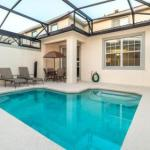 Elegant 5 Bed 4 Bath Townhome with Pool in a Fabulous Resort
