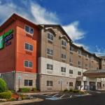 Holiday Inn Express Hotel & Suites Jenks