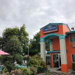 Hotels near Elsinore Theatre - Howard Johnson Inn Salem