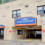 Accommodation near Manhattan College - Howard Johnson Inn Yankee Stadium
