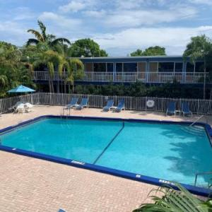 Rodeway Inn & Suites Airport/Cruise Port