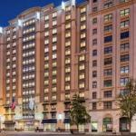 16th St and Constitution Ave NW Accommodation - Hilton Garden Inn Washington DC Downtown