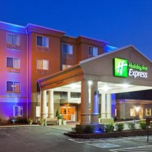 Hotels near Eastern Kentucky Expo Center - Holiday Inn Express And Suites Pikeville