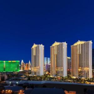 Hotels near Planet Hollywood Las Vegas - The Signature At MGM Grand