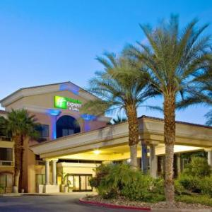 Holiday Inn Express Hotel And Suites Cathedral City