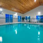 Hotels near Blowing Rock School - Country Inn & Suites Boone