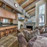 Ski Run Summer Condo, Dog Friendly