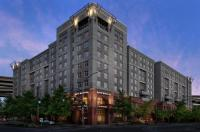 Residence Inn By Marriott Portland Downtown/Riverplace Image