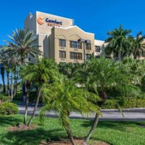 Hotels near Roxy Performing Arts Center - Comfort Suites Miami